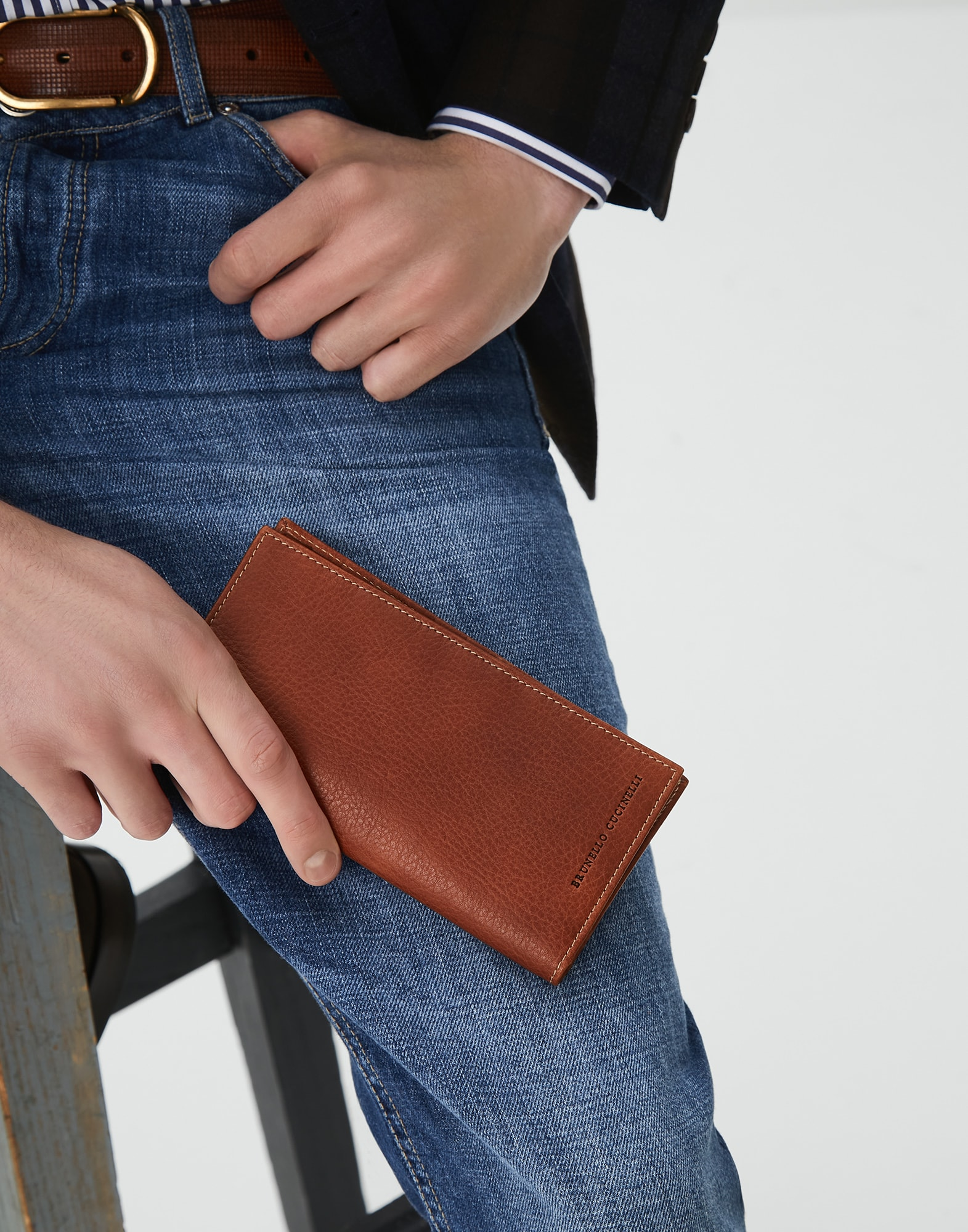 Card Holder - Editorial view