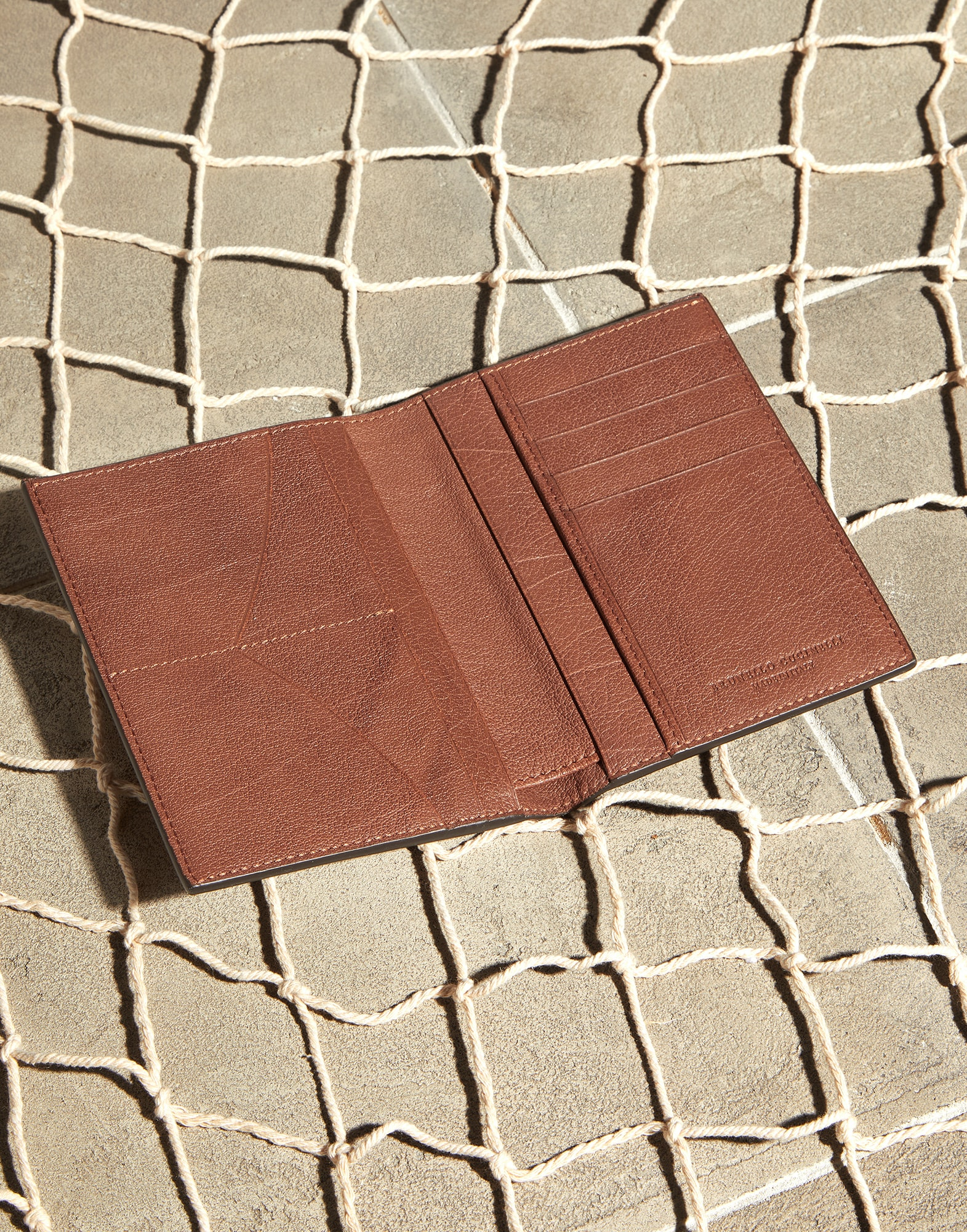Passport Holder - Look