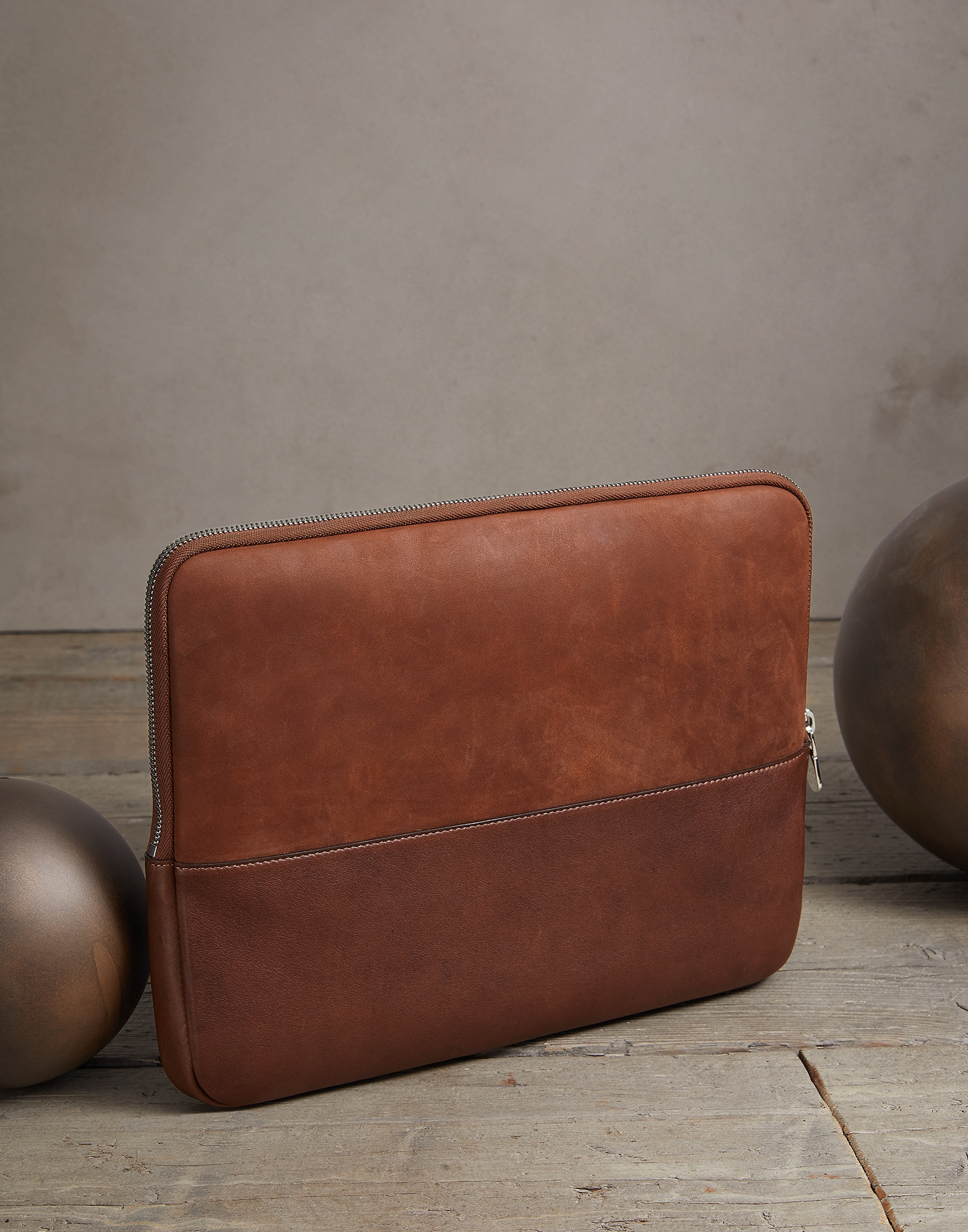 Document Holder Bark Man 1 - Brunello Cucinelli
